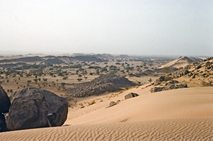 View across the Essouk valley in northern Mali, where the ruins of the early Islamic trading centre of Tadmekka are located. (Image Copyright Sam Nixon)